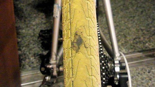 シューグーでタイヤ補修