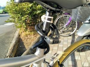 ワイヤー錠 自転車への取り付け1