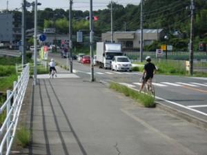自転車は車道を走るものなのか