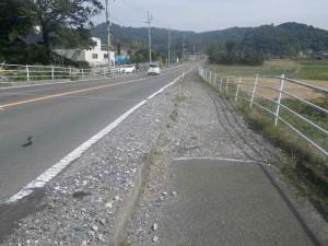 舗装の悪い道