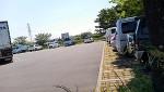 公園の駐車場は営業車の溜り場